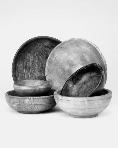 A collection of six treen bowl