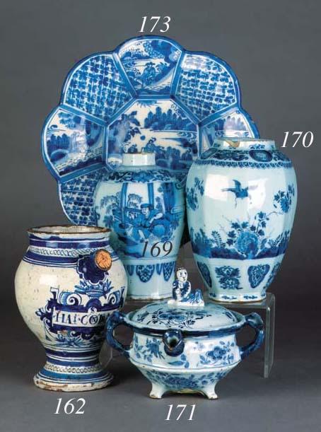 A Delft (De Metalen Pot) blue