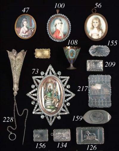 A William IV gilt-lined vinaig