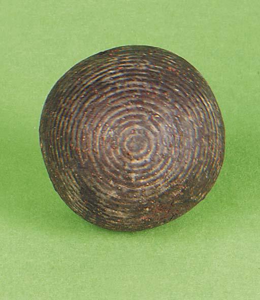 A FAROID STYLE GOLF BALL