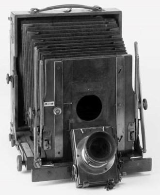Sanderson field camera