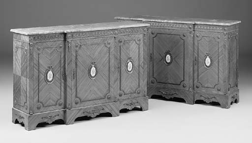 A PAIR OF TULIPWOOD AND ORMOLU