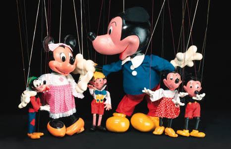 A display Mickey Mouse Pelham
