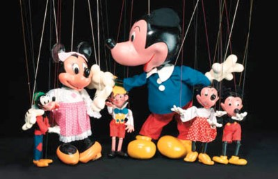 A display Mickey Mouse Pelham