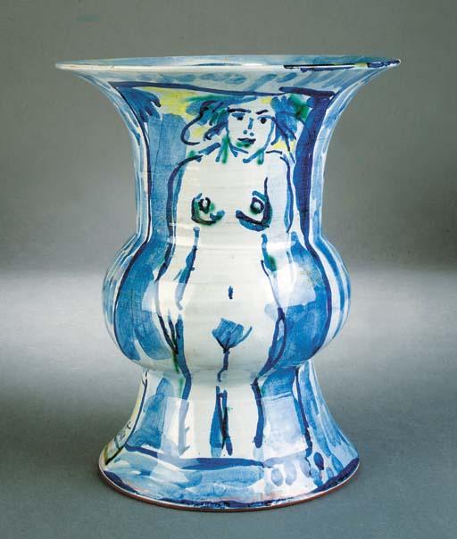 A Philip Sutton terracotta vas