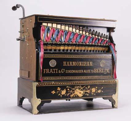 A Harmonipan thirty-three-note