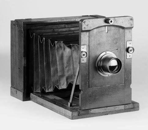 Kinnear-pattern camera