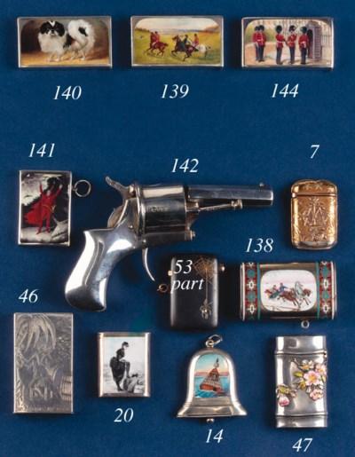 A gun-metal vesta case