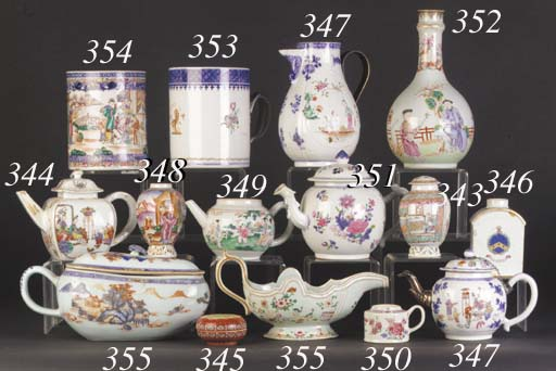 A quantity of Chinese export tea bowls, tea cups, saucers and a teapot