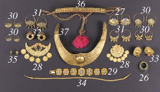A pair of Indian gold filigree