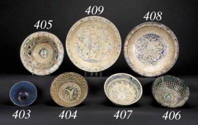 A Raqqa flaring pottery bowl