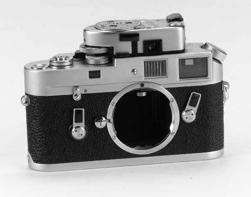 Leica M4 no. 1210439