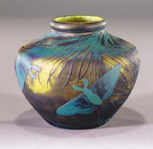 A Muller Fres cameo glass vase