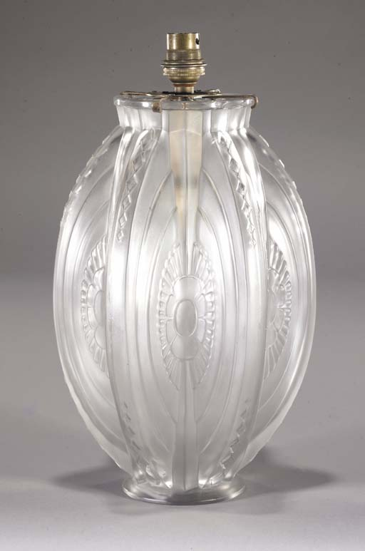 A Sabino frosted glass lampbas