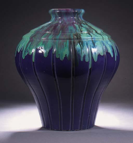 A Primavera glazed pottery vas