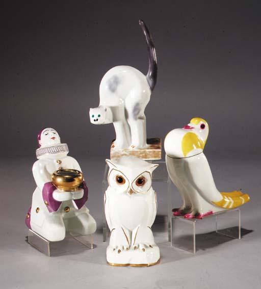 A T.Haviland porcelain box and