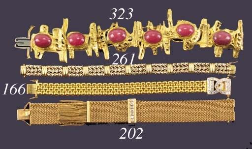 A continental, diamond bracele