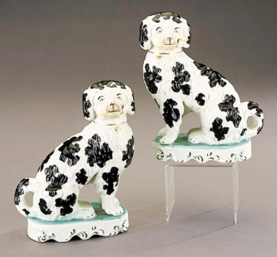 A pair of models of pipe-smoki