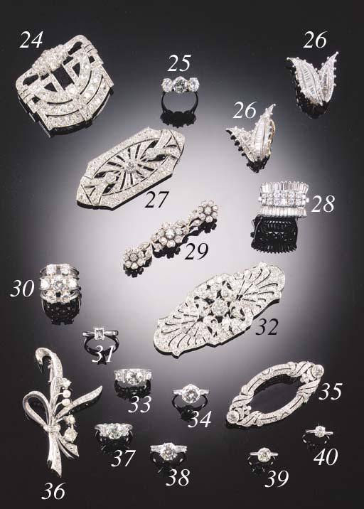 A DIAMOND SEVEN STONE CLUSTER