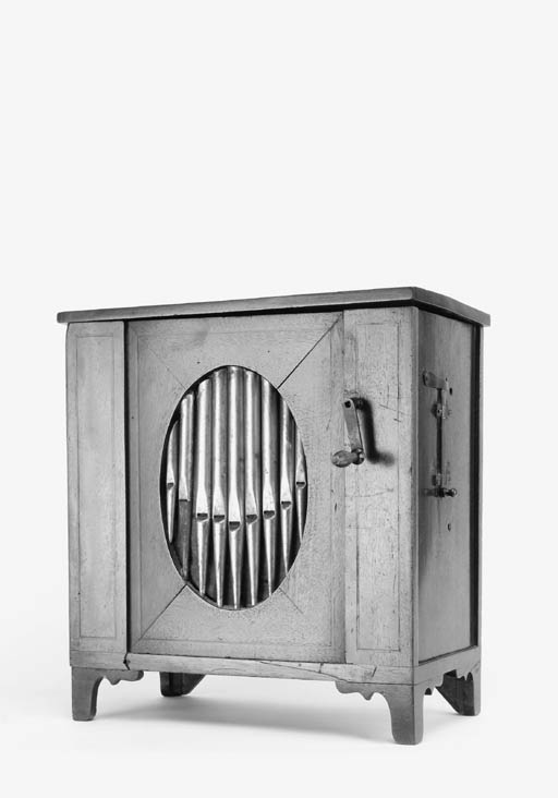 A table barrel organ,