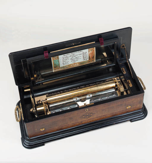 A Mandoline zither musical box