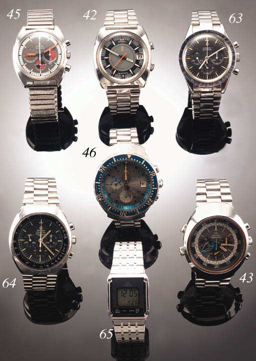 A STAINLESS STEEL CHRONOGRAPH