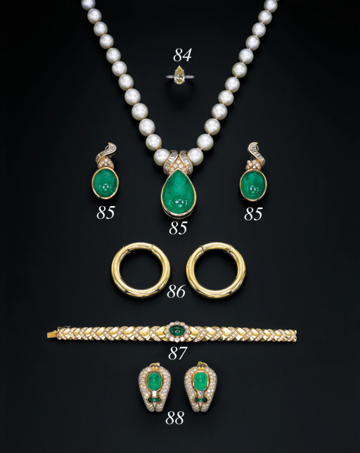 A SUITE OF CULTURED PEARL, CAB