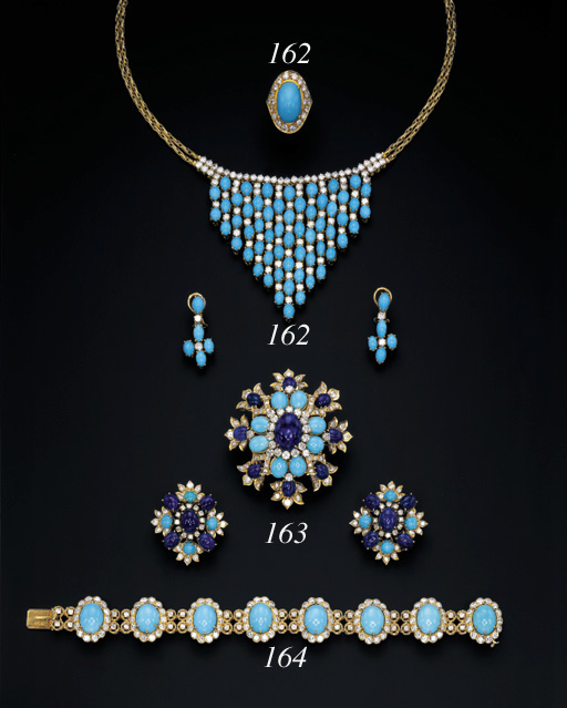 A TURQUOISE AND DIAMOND BRACELET, BY VAN CLEEF & ARPELS