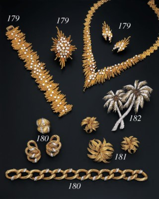 A SUITE OF 18K GOLD JEWELLERY,