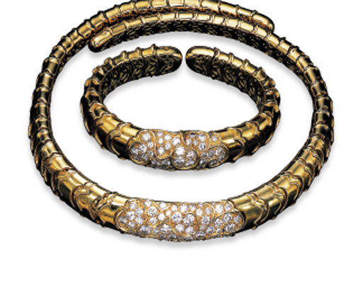 """A SUITE OF DIAMOND AND 18K GOLD """"ONDA"""" JEWELLERY, BY MARINA B."""