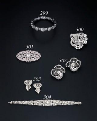 A PAIR OF DIAMOND CLIPS, BY TI