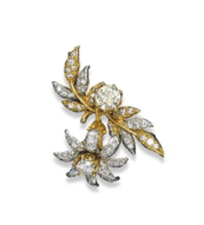 A DIAMOND FLOWER BROOCH, BY TI
