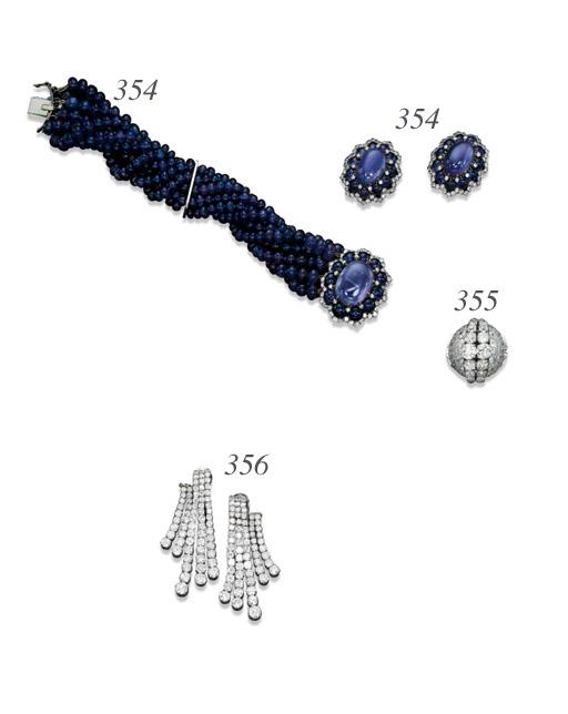A DIAMOND COCKTAIL RING, BY VAN CLEEF & ARPELS