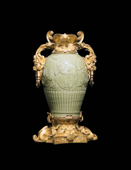 VASE D'EPOQUE LOUIS XV