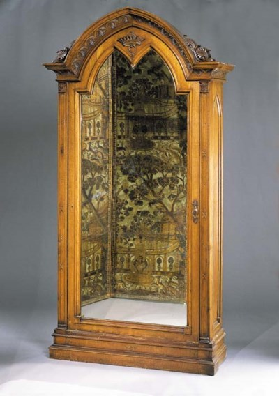 ARMOIRE A GLACE NEO-GOTHIQUE