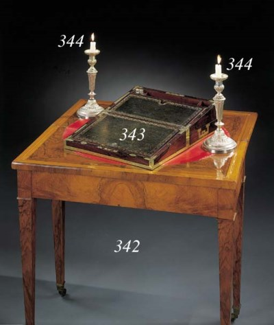 TABLE DE JEU D'EPOQUE LOUIS-PH