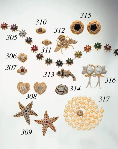DIAMOND AND ENAMEL RING