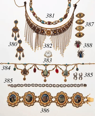 AN EGYPTIAN REVIVAL NECKLACE