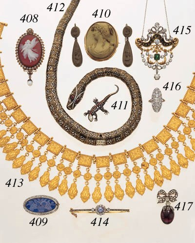 ANTIQUE DIAMOND AND GARNET BRO