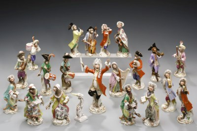 A MEISSEN ASSEMBLED TWENTY PIE