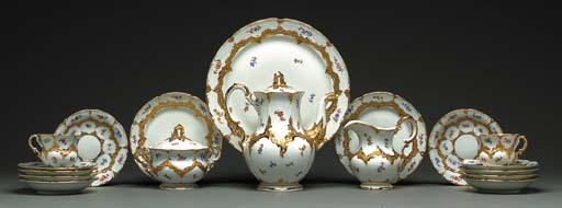 A MEISSEN PART SERVICE WITH FLOWERS
