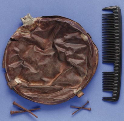 A CANTEEN AND A COMB