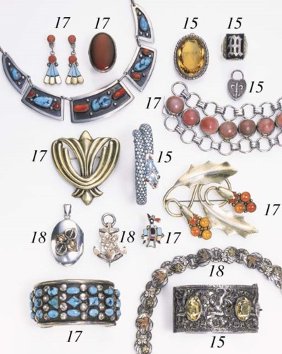 A GROUP ASSORTED SILVER JEWELR