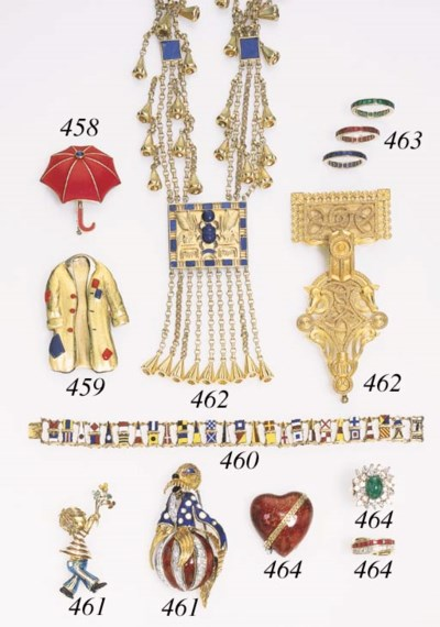 A GROUP OF GOLD NAUTICAL JEWEL