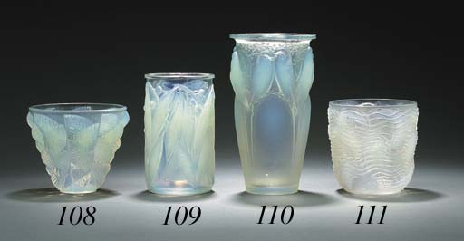 'CEYLAN', AN OPALESCENT GLASS