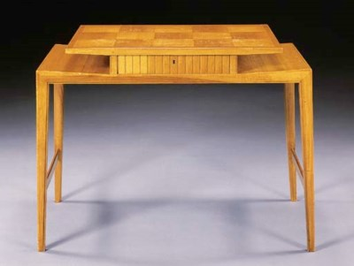 A FRUITWOOD LADY'S WRITING DES