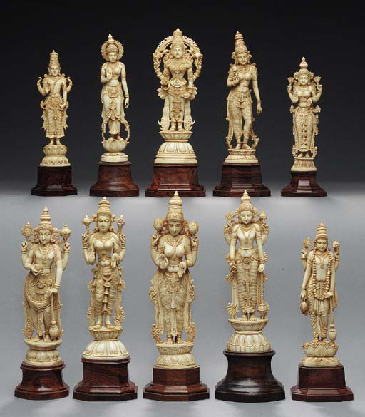 A GROUP OF TEN IVORY FIGURES O
