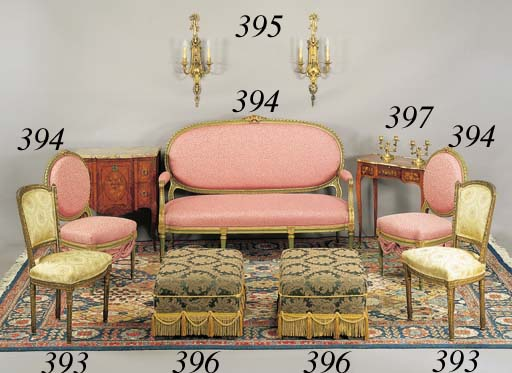 A PAIR OF UPHOLSTERED BANQUETT