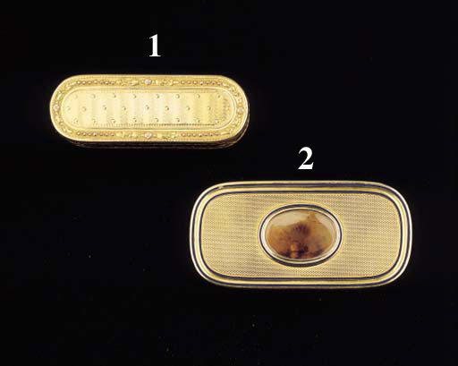 A FRENCH GOLD, ENAMEL AND AGATE SNUFF BOX