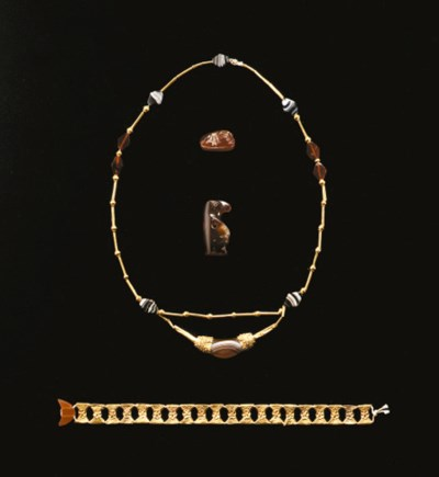 A SUITE OF EAST GREEK JEWELRY
